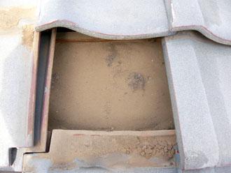 佐倉市 屋根 棟瓦取り直し 漆喰詰め直し 点検 瓦の下地は異常なし