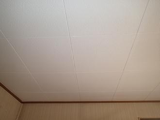 千葉県佐倉市 屋根カバー工法 室内塗装 天井塗装完了