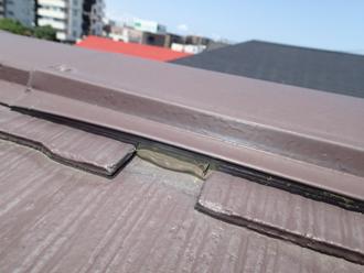 千葉県佐倉市 屋根カバー工法 室内塗装 点検 広すぎるスレートとスレートの隙間