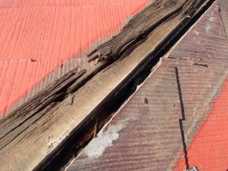 千葉県 千葉市中央区 棟板金交換 屋根の点検 貫板の劣化