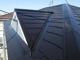 千葉市稲毛区 棟板金交換 屋根塗装 外壁塗装 屋根塗装の上塗り