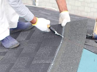千葉県千葉市花見川区 屋根葺き替え シングル材の加工