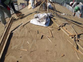 千葉県千葉市花見川区 屋根葺き替え 桟木を撤去