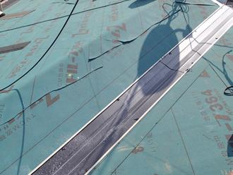 千葉県千葉市花見川区 屋根葺き替え 谷板金設置