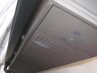 千葉県印旛郡酒々井町 屋根塗装 外壁塗装 塗装の様子 軒天 塗装前 汚れ
