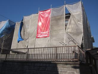 千葉県印旛郡酒々井町 屋根塗装 外壁塗装 塗装の様子 高所での作業 メッシュ