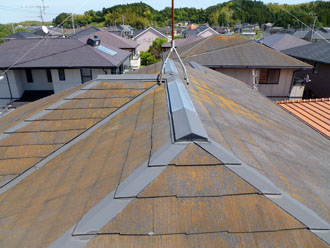 千葉県 君津市 屋根塗装 外壁塗装 屋根の点検 屋根全体に広がるコケ