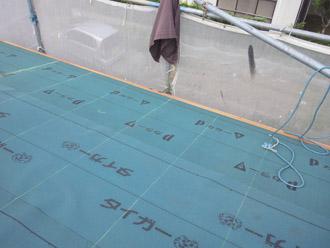 千葉県 大網白里市 屋根カバー工法 防水紙の敷設