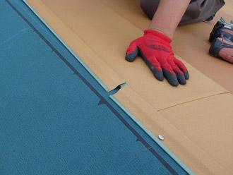 千葉県 大網白里市 屋根カバー工法 新しい棟板金の設置 横暖ルーフテラコッタ
