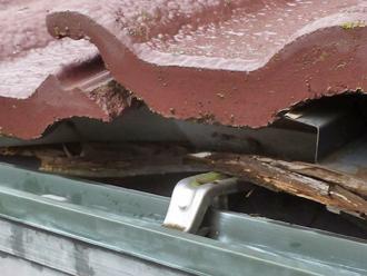 千葉県 市原市 屋根点検 玄関庇の腐食 瓦の沈み
