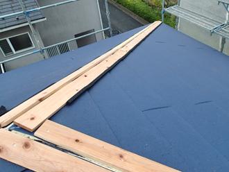 千葉県市原市 屋根カバー工法 貫板の設置