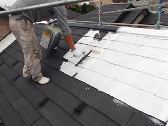 浦安市 屋根補修 屋根塗装 目地の補修 遮熱塗料サーモアイSi下塗り