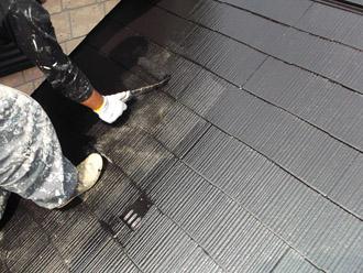 浦安市 屋根補修 屋根塗装 目地の補修 中塗りと上塗り