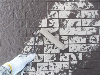 千葉県習志野市 屋根塗装 外壁塗装 塗装の様子 仕上げ塗り 模様 デザイン