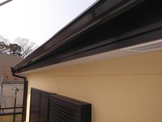 千葉県習志野市 屋根塗装 外壁塗装 塗装の様子 破風板 塗装完了