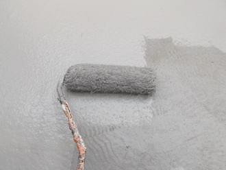 千葉県習志野市 屋根塗装 外壁塗装 塗装の様子 ベランダ トップコート 塗装