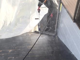 千葉県袖ヶ浦市 屋根塗装 一階の屋根の高圧洗浄