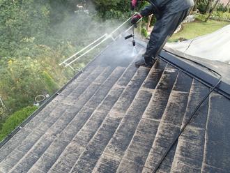千葉県袖ヶ浦市 屋根塗装 棟板金交換 高圧洗浄によって汚れを落とす