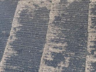 千葉県袖ヶ浦市 屋根塗装 棟板金交換 高圧洗浄で古い塗膜が剥がれた様子