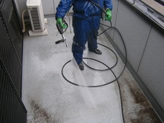 埼玉県 富士見市 屋根塗装 外壁塗装 バルコニー防水 バルコニーの外壁の高圧洗浄
