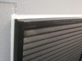 埼玉県 富士見市 屋根塗装 外壁塗装 バルコニー防水 窓枠をコーキング