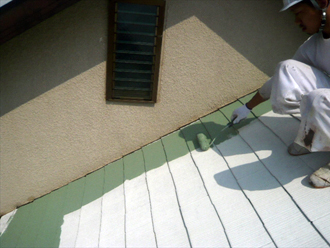 東京都立川市 屋根塗装工事 下塗り