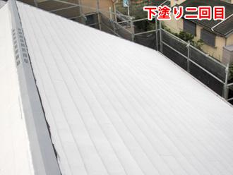 屋根塗装工事 屋根塗装工事 下塗り二回目