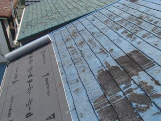 横浜市保土ケ谷区 屋根カバー工事 防水紙の敷設