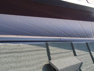 横浜市保土ケ谷区 屋根カバー工事 ケラバへのエコグラーニ設置