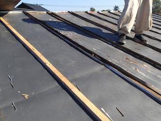 横浜市戸塚区 屋根葺き替え工事 これまでの屋根の撤去