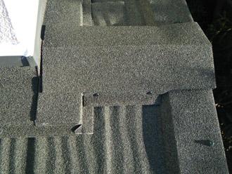 横浜市戸塚区 屋根葺き替え工事 防水紙の敷設 ハイブリッド金属屋根材「エコグラーニ」 棟の取り付け