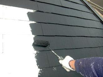 横浜市瀬谷区 屋根塗装・外壁塗装 屋根の中塗り