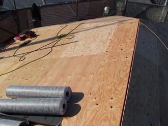 屋根塗装工事 屋根葺き替え 野地板増し張り