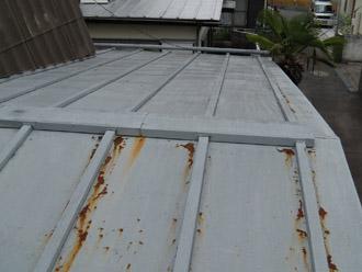 横浜市都筑区 屋根葺き替え 外壁塗装  屋根の点検 一目で分かるサビ