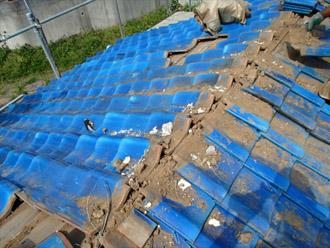 横浜市 鶴見区 屋根葺き替え これまでの瓦の撤去