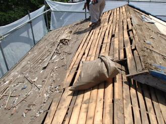 横浜市 鶴見区 屋根葺き替え 防水紙の撤去