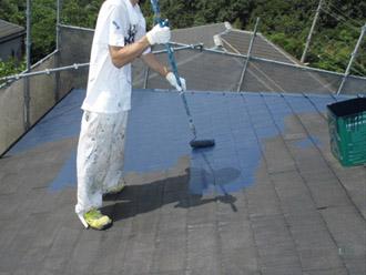 神奈川県横須賀市 屋根塗装 外壁塗装 ヤネMシリコン 中塗り