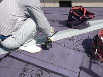 貫板と板金の取り付けよう下地設置