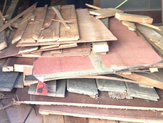屋根カバー工法は廃材も少なくエコです