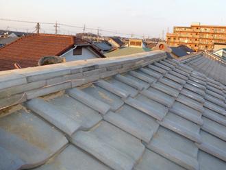 金属屋根のエコグラーニへ葺き替えます