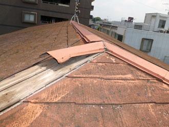 棟板金交換工事 強風で棟板金破損 施工前
