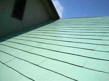 町田市 コケだらけの屋根を塗装でイメージチェンジ 施工後