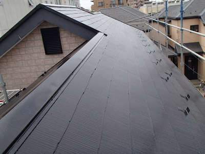 浦安市 屋根材の破片の補修と屋根塗装 遮熱塗料使用 施工後