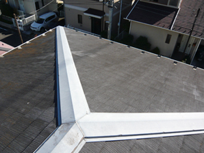 横浜市戸塚区 ガルバリウム鋼板の屋根材「タフルーフ」で屋根カバー工事 施工前
