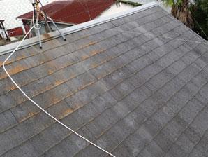 神奈川県横浜市戸塚区戸塚駅 ベランダの雨漏り補修に合わせ、屋根塗装と外壁塗装 施工前