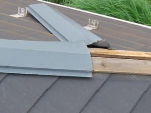 杉並区 板金工事 屋根塗装 外壁塗装 外回り丸ごとリフォーム 現地調査 無料点検 棟板金の剥がれ