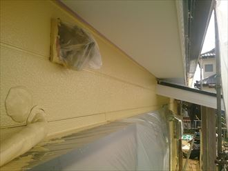 船橋市外壁塗装工事、中・上塗り004