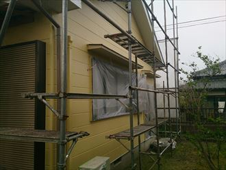 船橋市外壁塗装工事、中・上塗り003