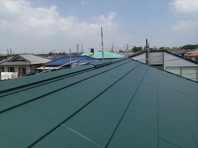 屋根カバー工事 横暖ルーフきわみ Kグリーンにて施工