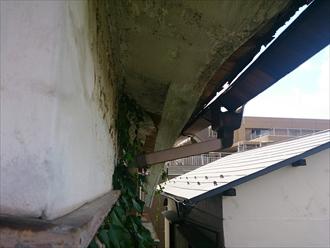 中野区、外れた雨樋